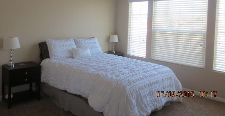 East Tulare guest room. - Tulare - Huis