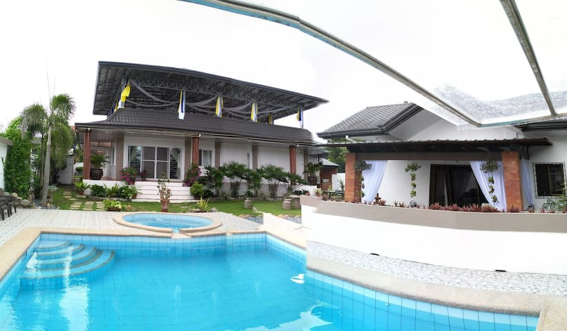 Bungalow with pool & function room - San pablo city - Bungalov