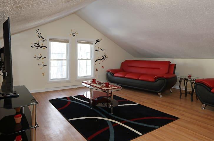 Spacious comfortable 2BD near EWR - Newark - Appartement