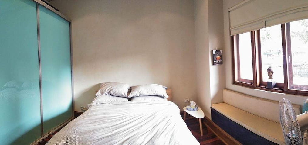 Bright Room in Spacious House - Sydney - Huis