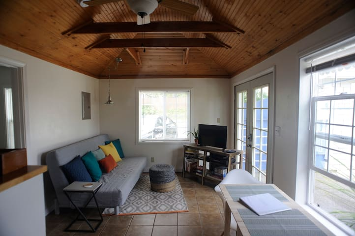 Bungalow style MIL apartment - Olympia - Lägenhet