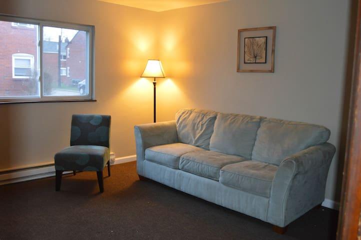 2 Bedroom Close to Airport - Pittsburgh - Lägenhet