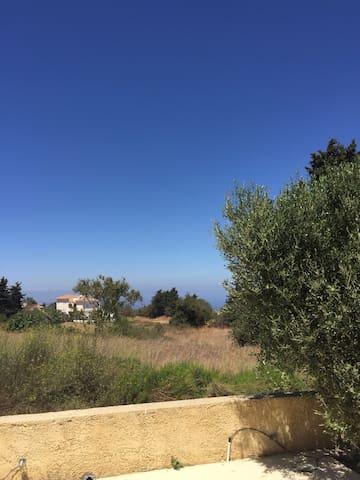Lovely mountain and sea view! - Χρυσοχους - Huis