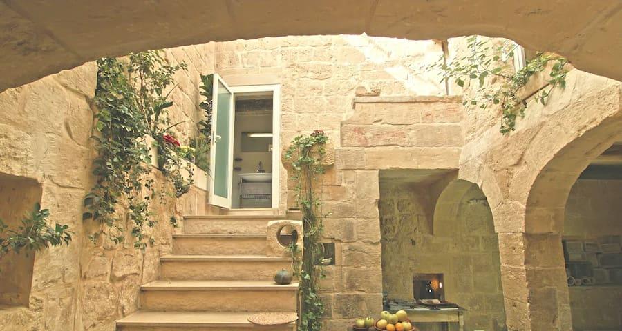 500 year old house Labini str. Mdina, Rabat - Rabat