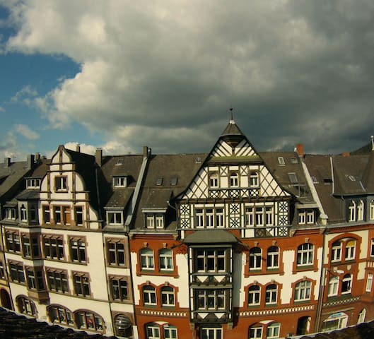 Privacy guaranteed: Central, own entrance and bath - Marburg - Leilighet