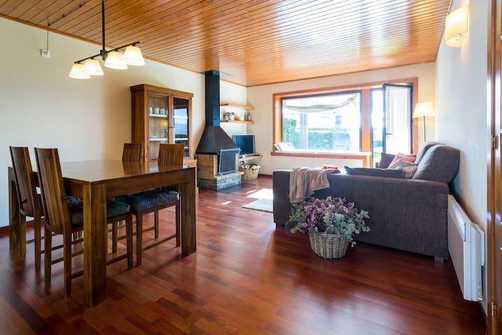 Apartamento con jardín y piscina - Osséja