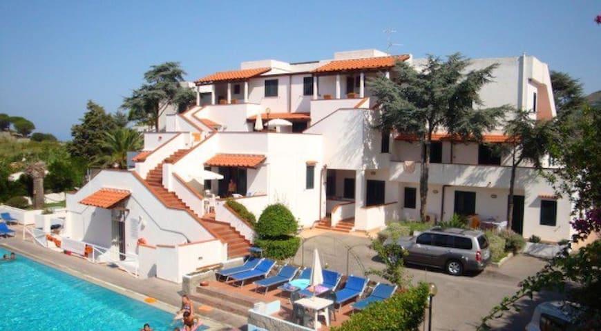 Resort piscina termale e parcheggio - Sant'Angelo - Reihenhaus