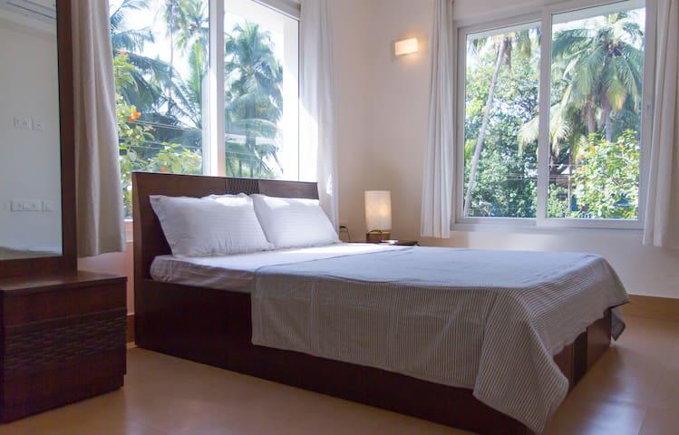 Bright, modern & charming 1-Bed apartment, Arpora - Panjim - Lägenhet