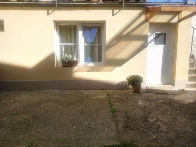 Nice small apartment nearby Centre - Trier - Casa