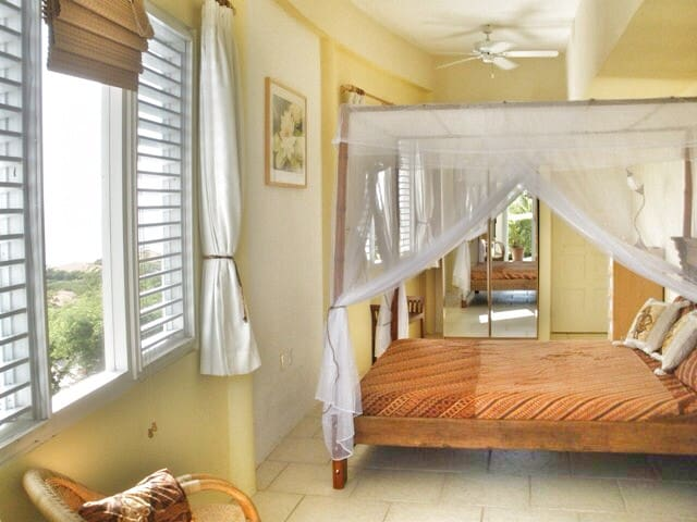 Luscious garden and seaview room - Willemstad - Ev