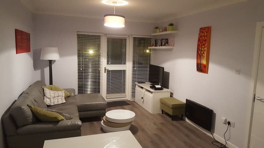 Spacious 2-Bedroom apartment in Good Neighbourhood - Clontarf - Apartament