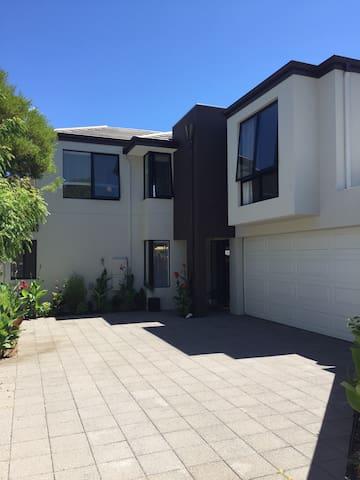 Maylands house! 5 mins to Perth CBD - Maylands - Dom