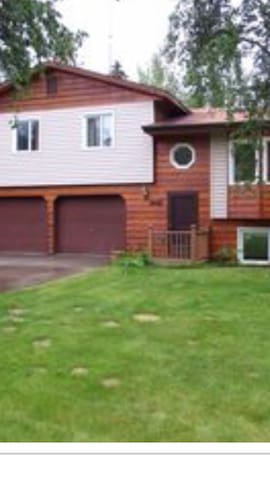 Large home located near Chena Lakes - North Pole
