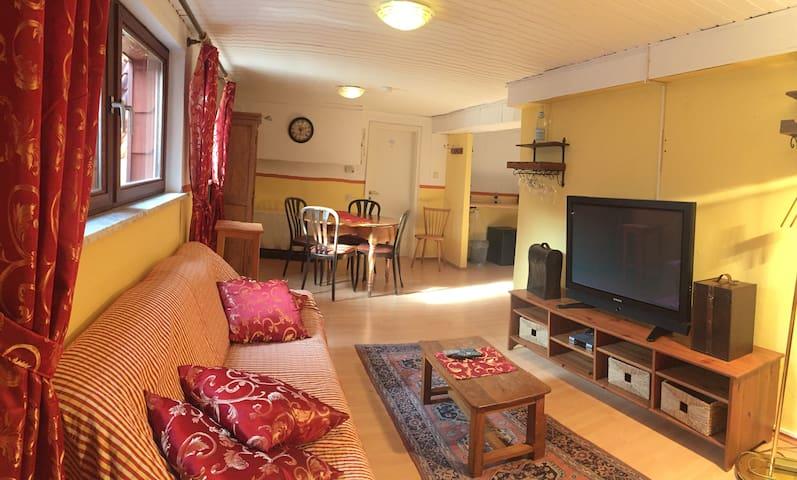 Familienzimmer mit 2 Schlafzimmern und Historie - Sankt Martin - Leilighet