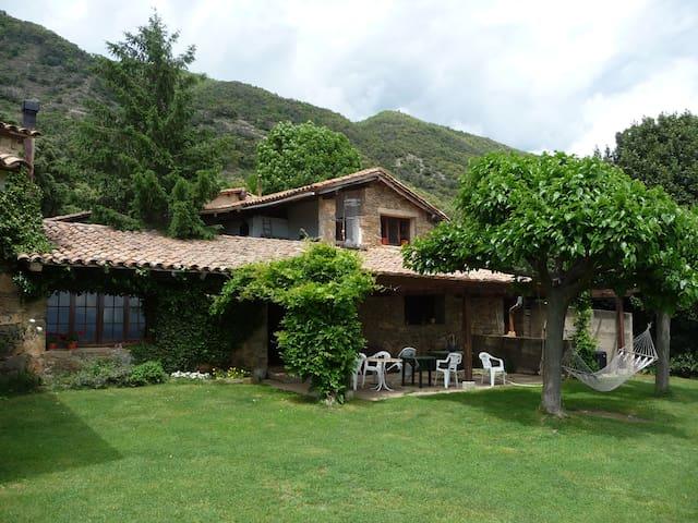 MAS PEDROSES, pura naturaleza - Sant Pere de Torelló - Huis