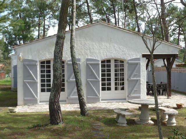 Villa de charme à 200 m de la plage - La Tranche-sur-Mer - Semesterboende