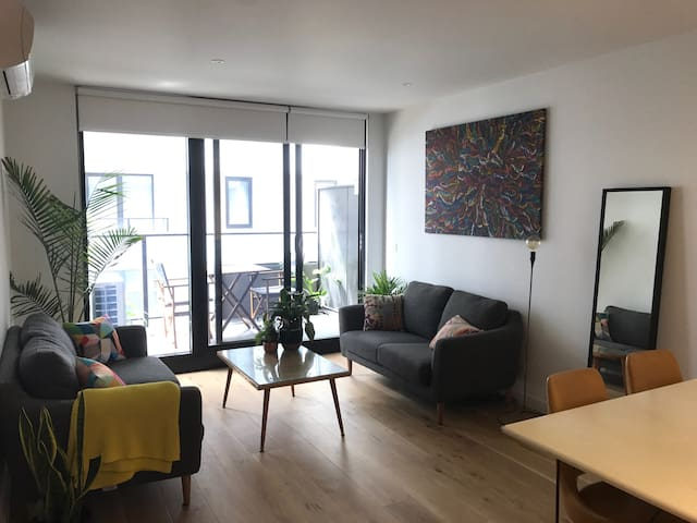 Gorgeous one bed apartment with pool, gym, spa - Brunswick East - Lägenhet