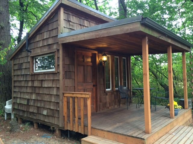 Our TINY HOUSE in the Forest - Lynden - 小木屋