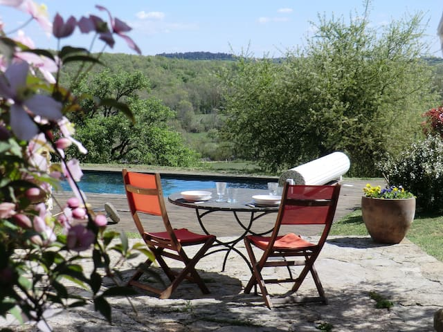 Cottage with panoramic views - Puyjourdes - Ev