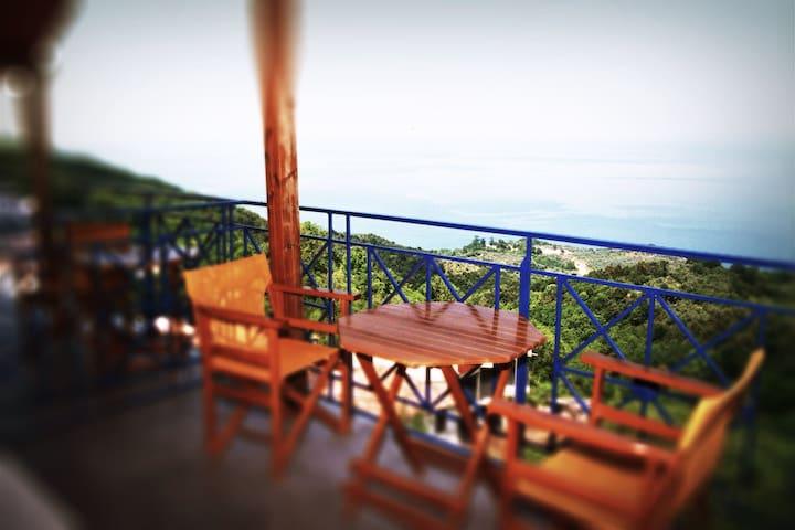 Luxury 2 guests flat 3 klm from sea - Karitsa - Appartamento