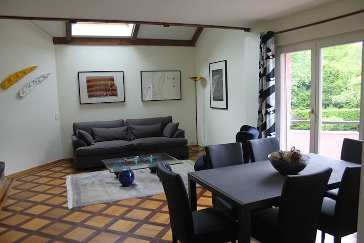 Lovely appartment close to lake perfectly located - Mies - Huoneisto