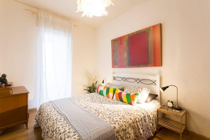 Humble floor area center of Zaragoza - Saragoça