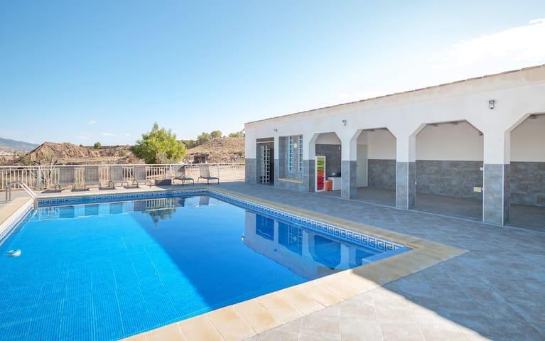 Grote vakantiewoning met zwembad in regio Murcia - Mula