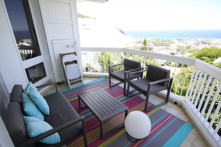 T3 with Sea view and jacuzzi - Saint-Denis - Lägenhet