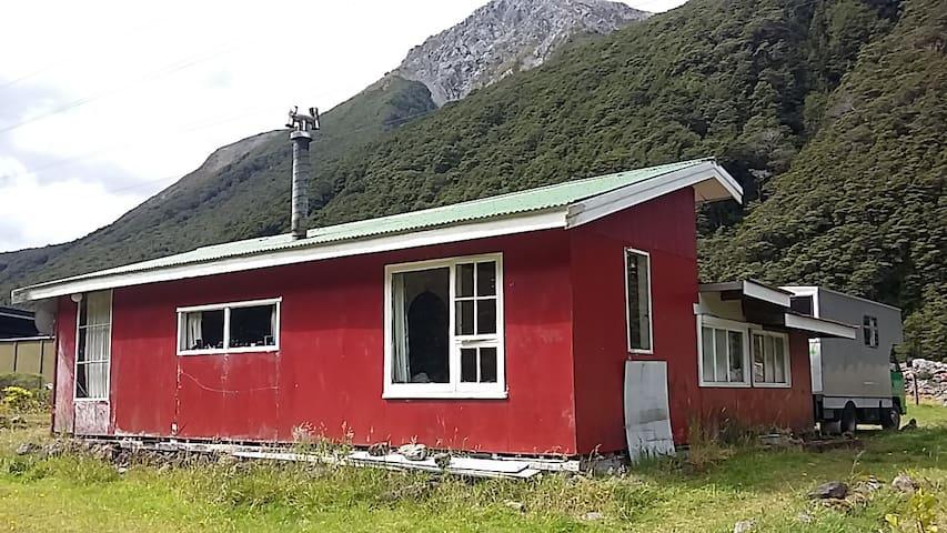 Little Red Batch - bed one - Arthur's Pass