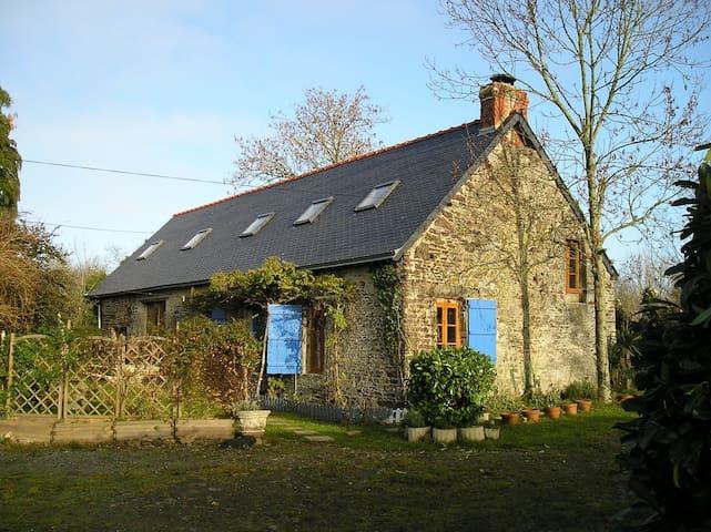 Le Roc Poret - converted barn - Saint-Jean-des-Essartiers