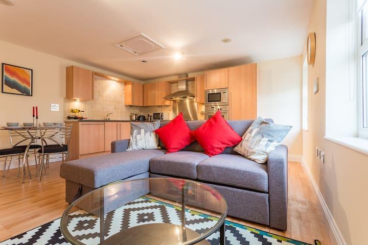 Wonderful 2-bedroom Seaside Apartment - Southend-on-Sea - Apartemen