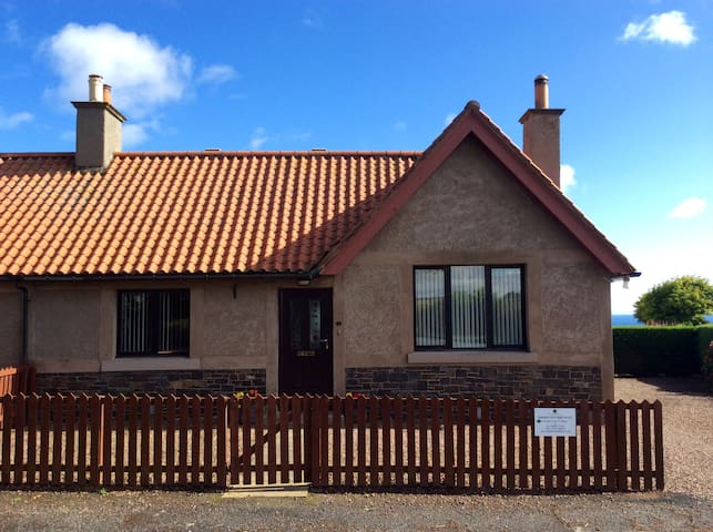Templehall Cottage. Modern cottage with sea views - Scottish Borders - Rumah