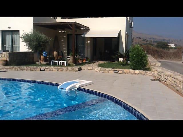 Perfekt feriebolig på Kreta. - Paralia Kourna