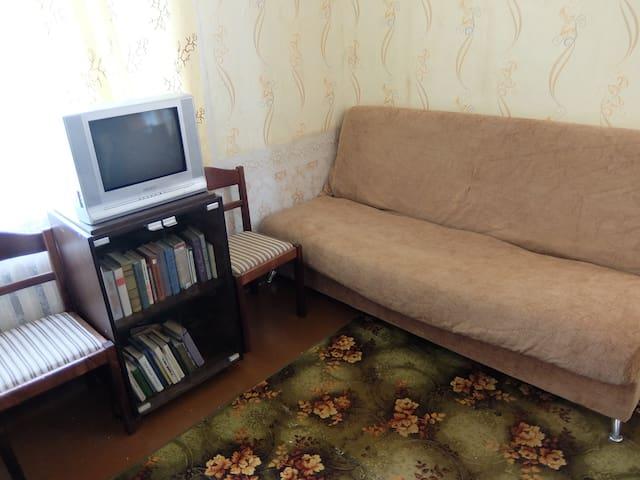 Сдам 1 комнатную квартиру в Кохтла-Ярве посуточно - Kohtla-Järve - Apartamento