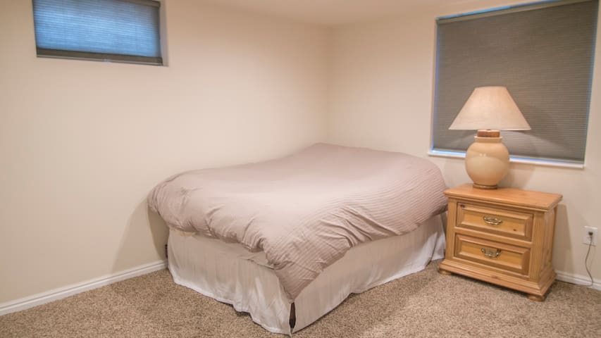 1BRD, Theater, Laundry, Tile bathroom - Taylorsville - Wohnung