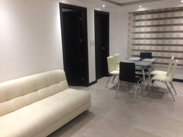 Suite con ubicación privilegiada - Quito - Huoneisto