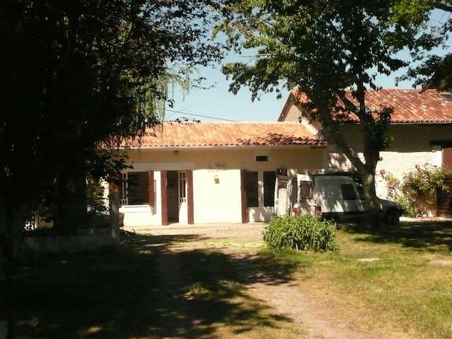 Gîte Bourg du Bost - Bourg-du-Bost - Casa