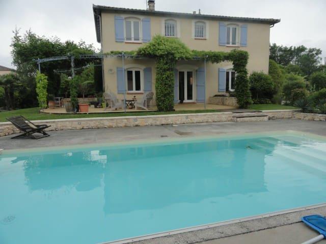 Chambre dans Maison à 20mn de Toulouse et Aeroport - Saint-Sauveur, Haute-Garonne - Bed & Breakfast