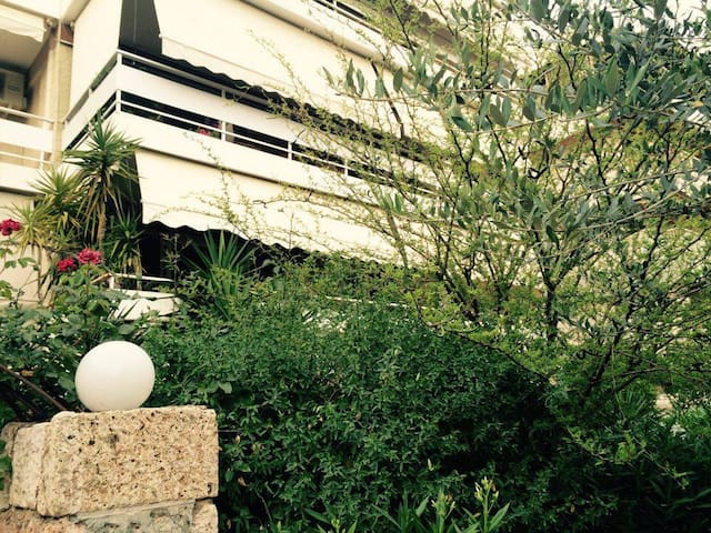 Cozy Apartment in Glyfada, Athens - Glifada