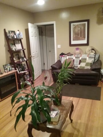 Beautiful room in Temple City - Temple City - Casa