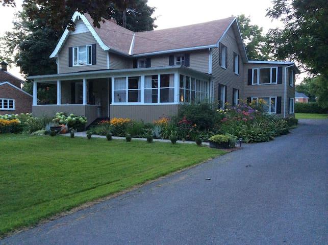 River Court Residence - Morrisburg