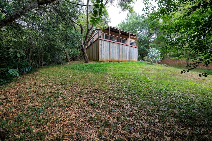 Cottage set in natural bushland - Flaxton - Cabaña
