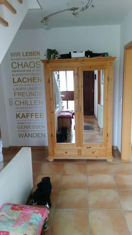 Modernes Haus für Tierliebhaber :-) - Nentershausen - Talo