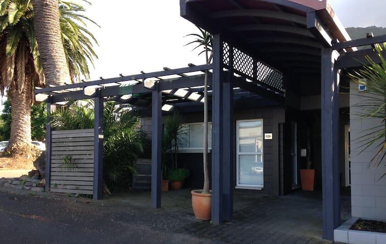 Whitaker st Apartment - CBD location - Te Aroha