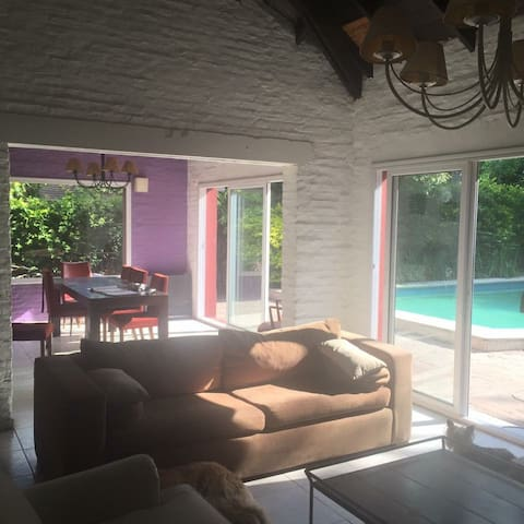 CASA EN COUNTRY LOS LAGARTOS - Buenos Aires - Rumah