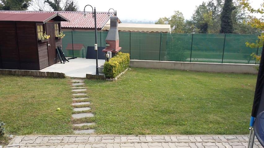 appartamento indipendente in villa BRA ALBA LANGHE - Roreto - Appartement