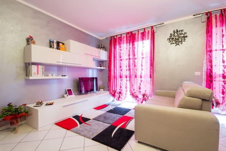 Modern Apartment in Alba - Alba - Huoneisto