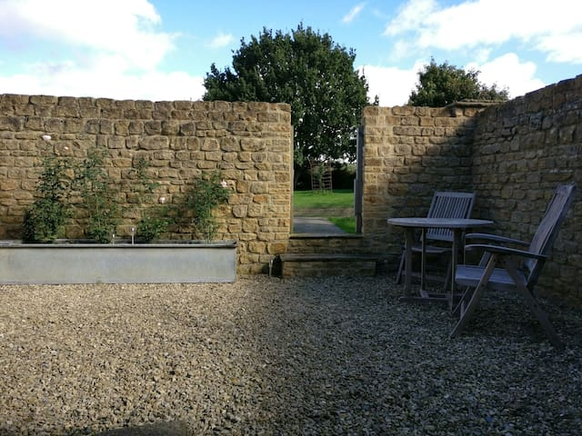 Self-contained annexe.Bruton.Refurb - Bruton - Daire
