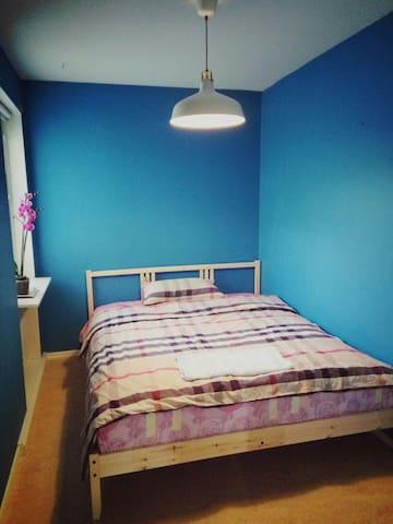 Nice room in Vallentuna,Stockholm,all you need - Vallentuna - Leilighet