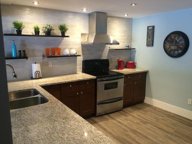 Kanata Inn - Ottawa - Apartmen